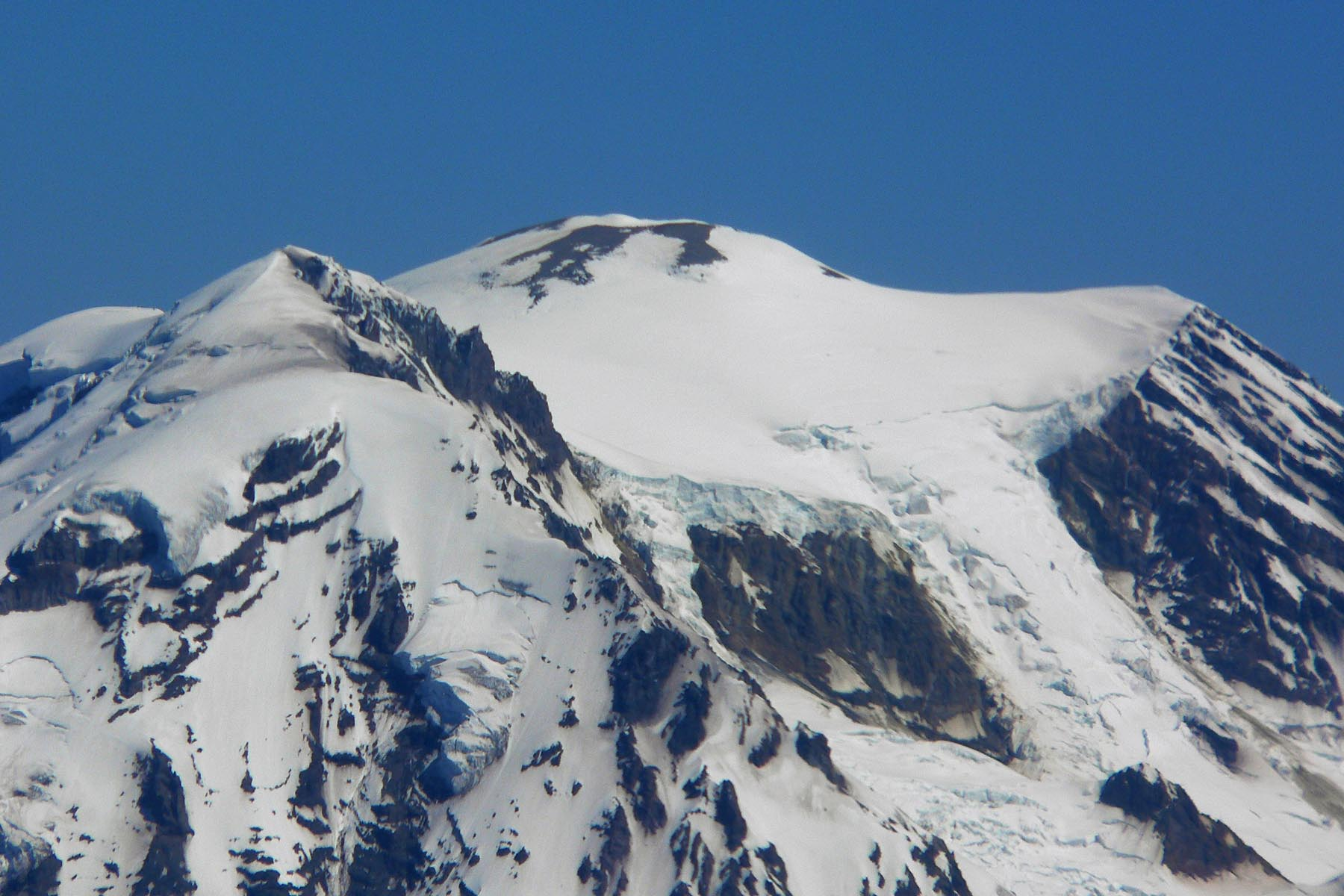 Six Climbers Presumed Dead After Going Missing on Mount Rainier